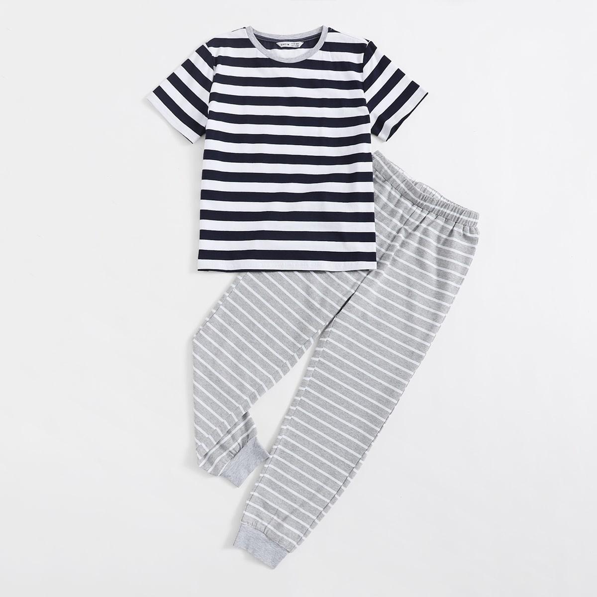 Пижама в полоску для мальчиков