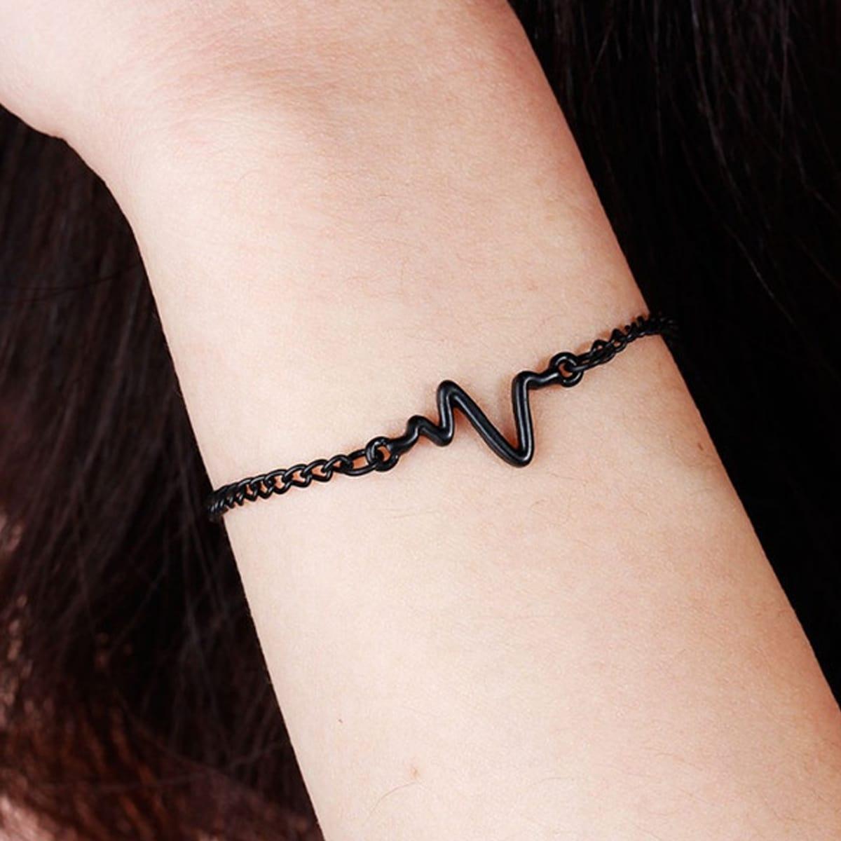 Minimalistisches Armband mit Donner Dekor