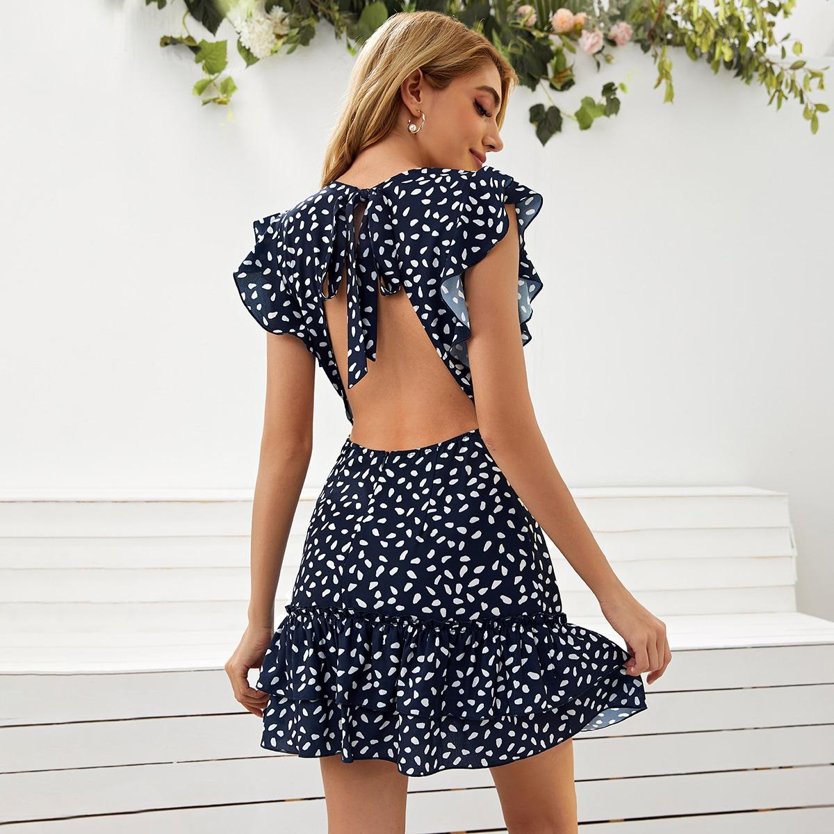 Платье с принтом, оборкой и открытой спиной