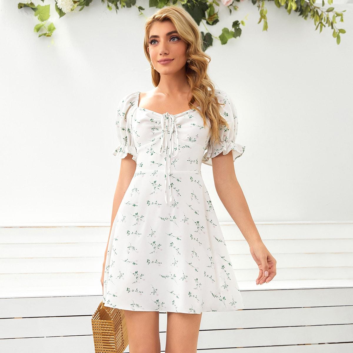 Платье с пышными рукавами и цветочным принтом