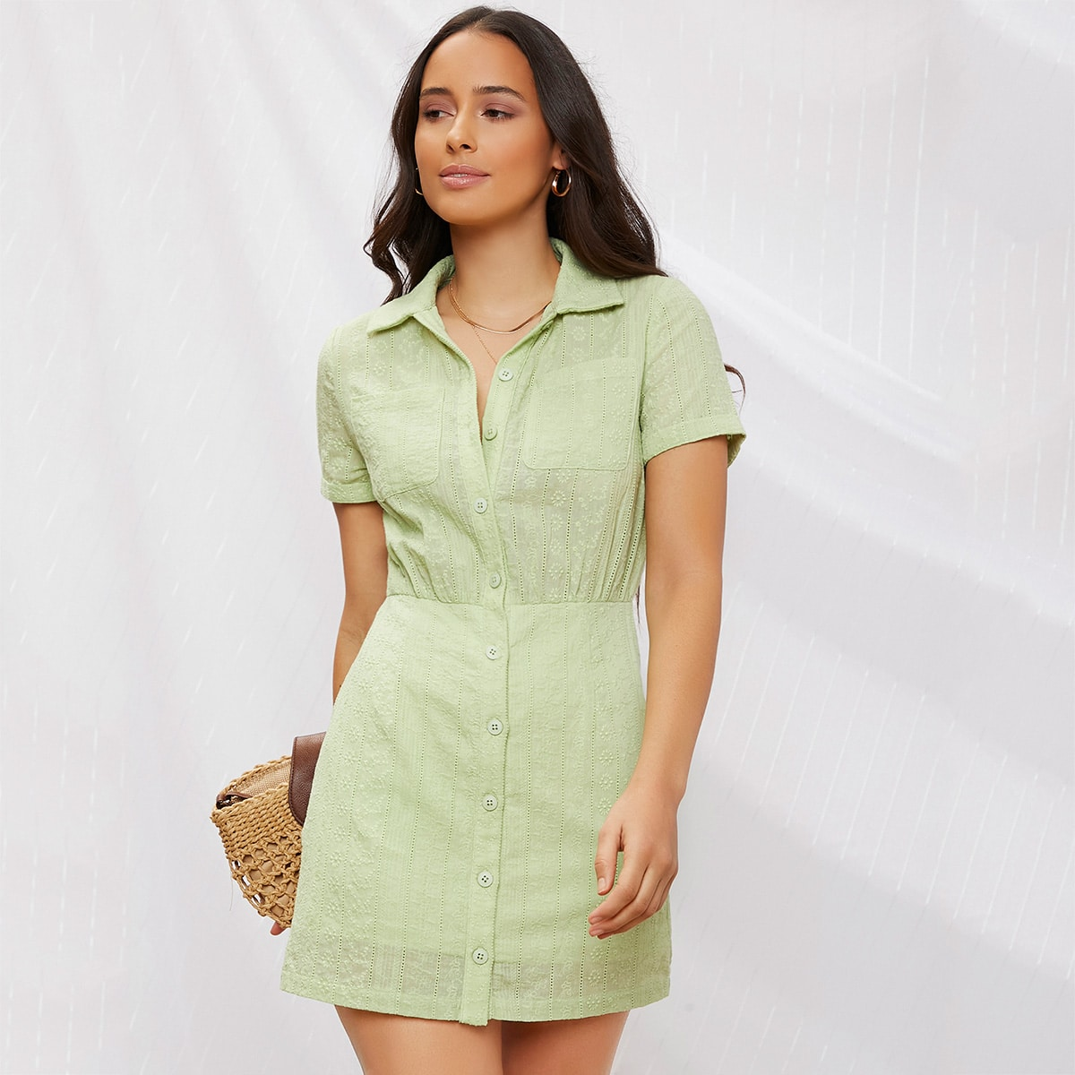 Платье на пуговицах с карманом