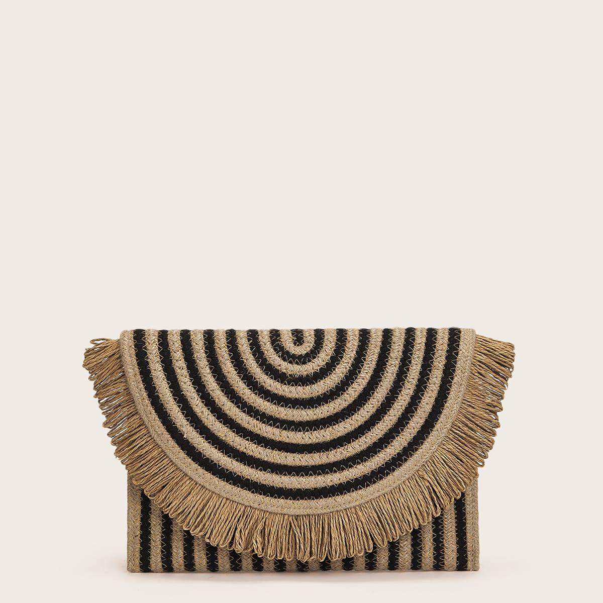 Плетеная сумка-клатч с бахромой