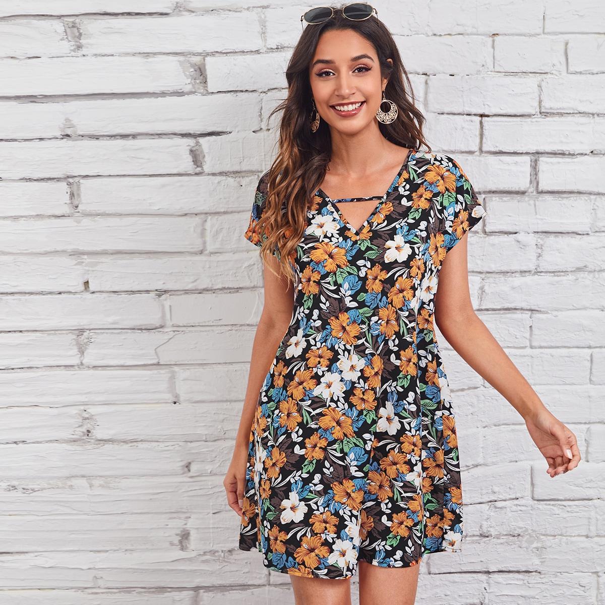 Платье с цветочным принтом и вырезом замочная скважина