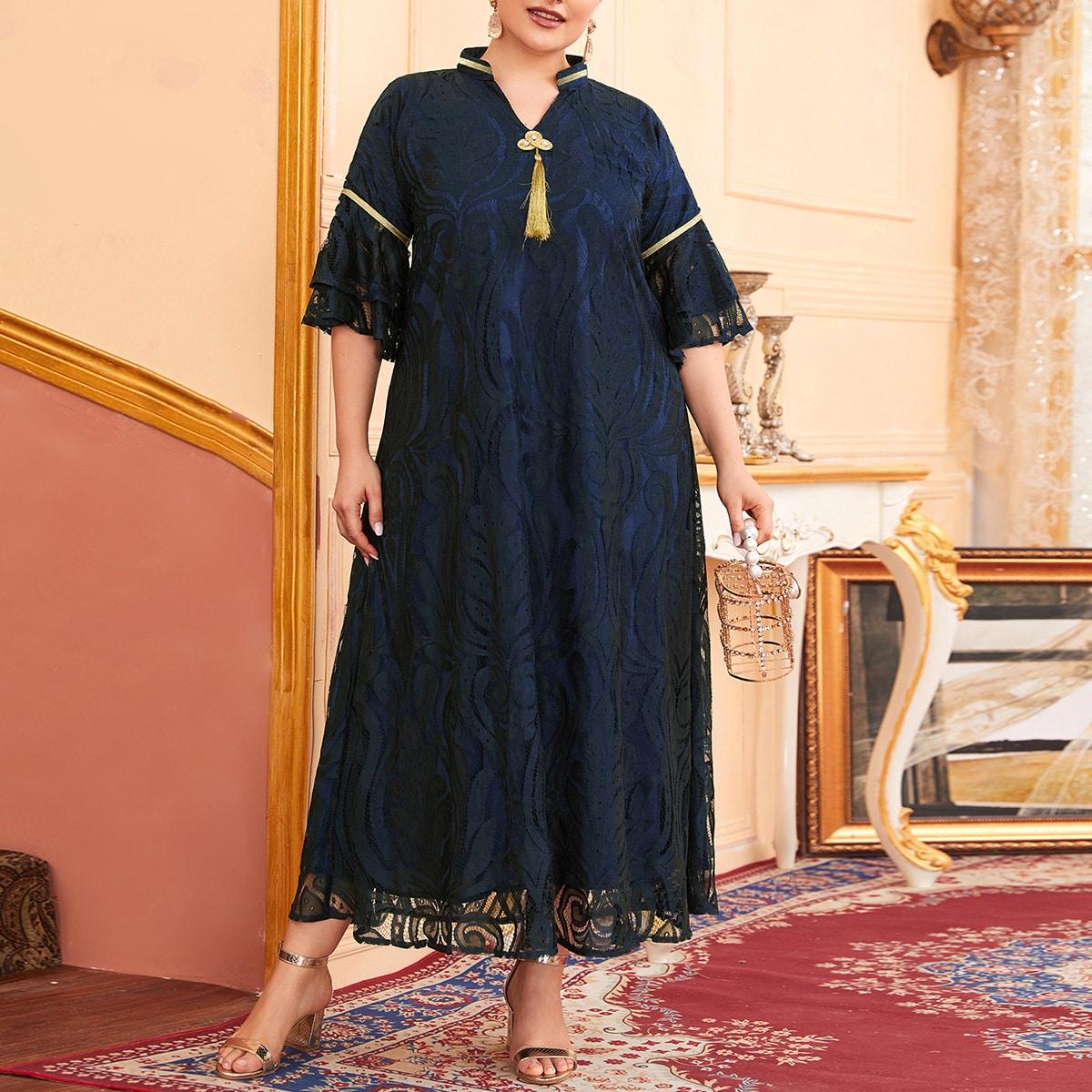 Кружевное платье-туника размера плюс с клиновидным вырезом
