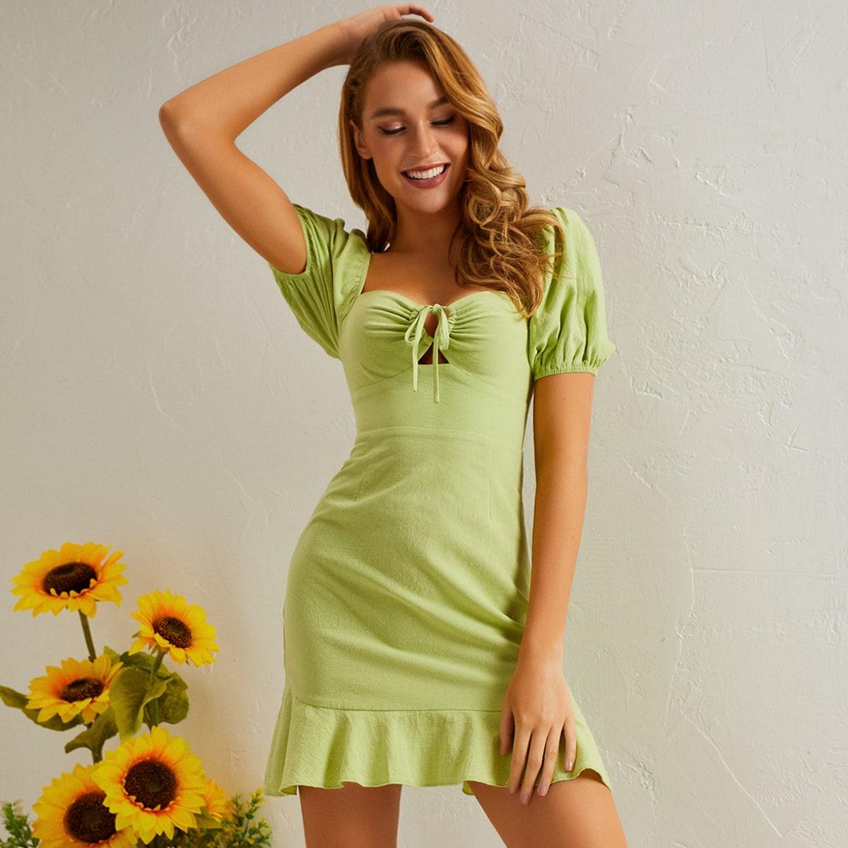 Платье с пышными рукавами и узлом