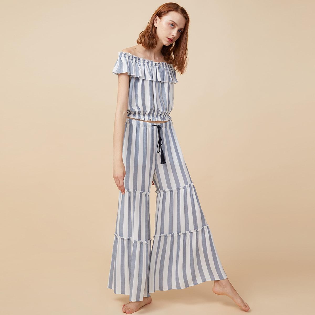 Пижама в полоску с открытыми плечами