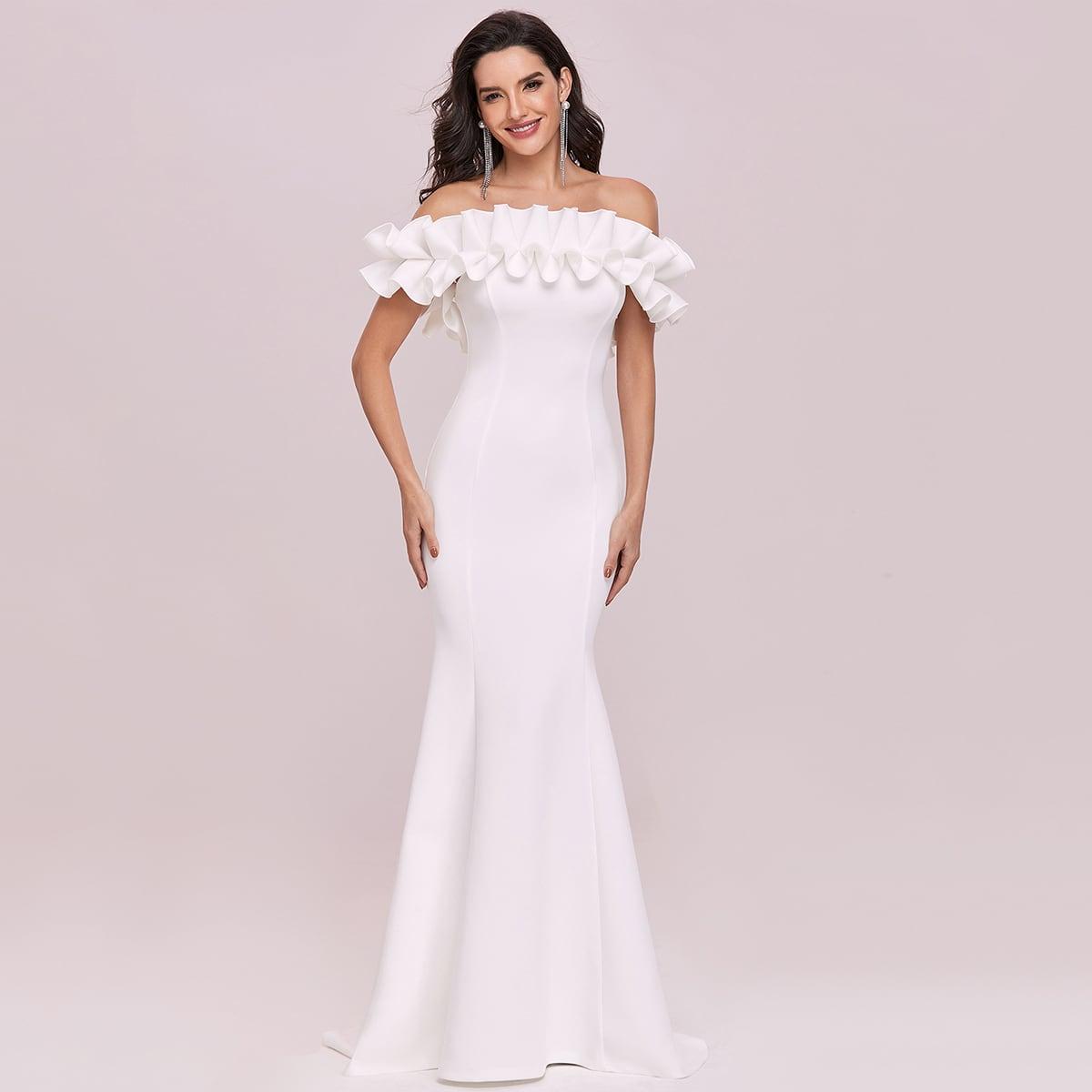 Платье-русалка с открытыми плечами