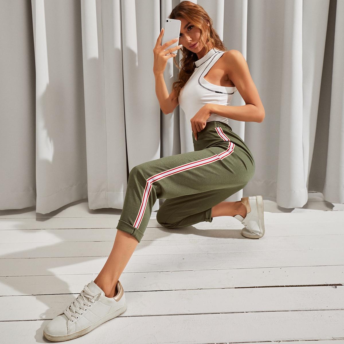 Короткие брюки с полосками