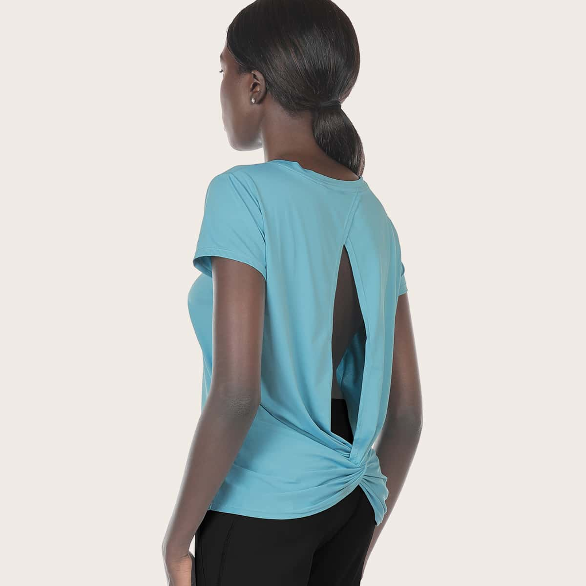 Спортивная футболка с драпировкой
