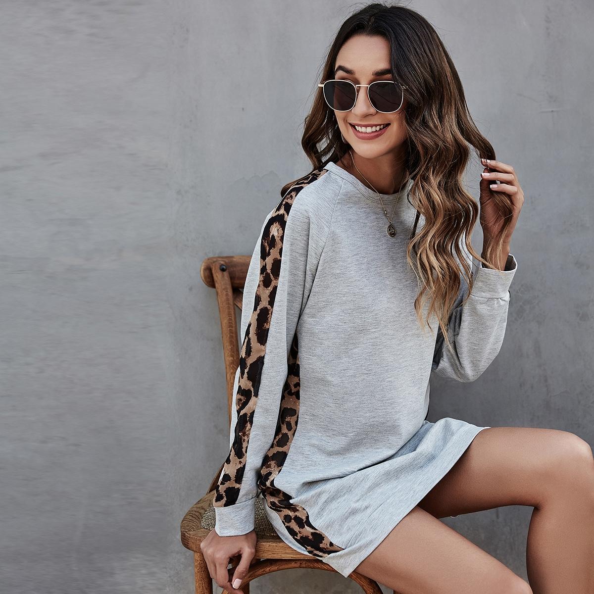 Платье-свитшот с леопардовым принтом и рукавом реглан
