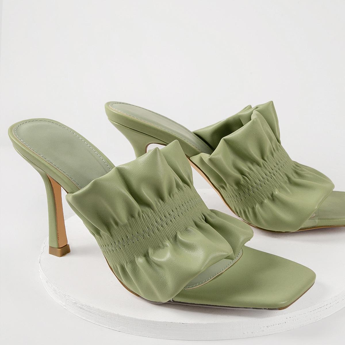 Кожаные туфли на каблуках с квадратным носком и оборками от SHEIN