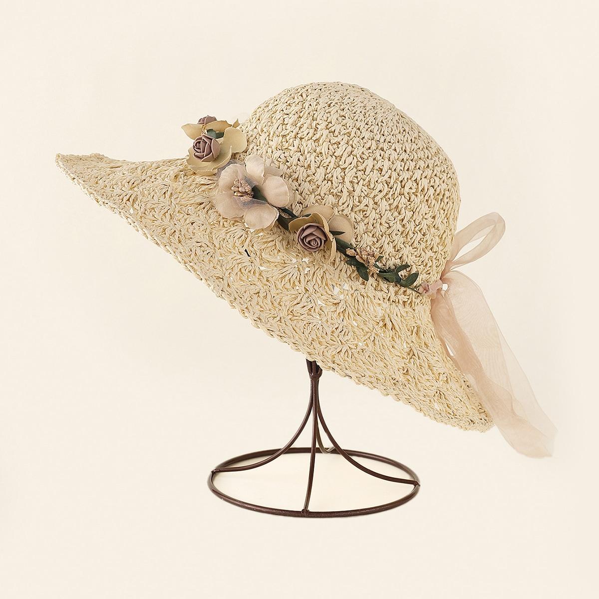 Соломенная шляпа с цветами