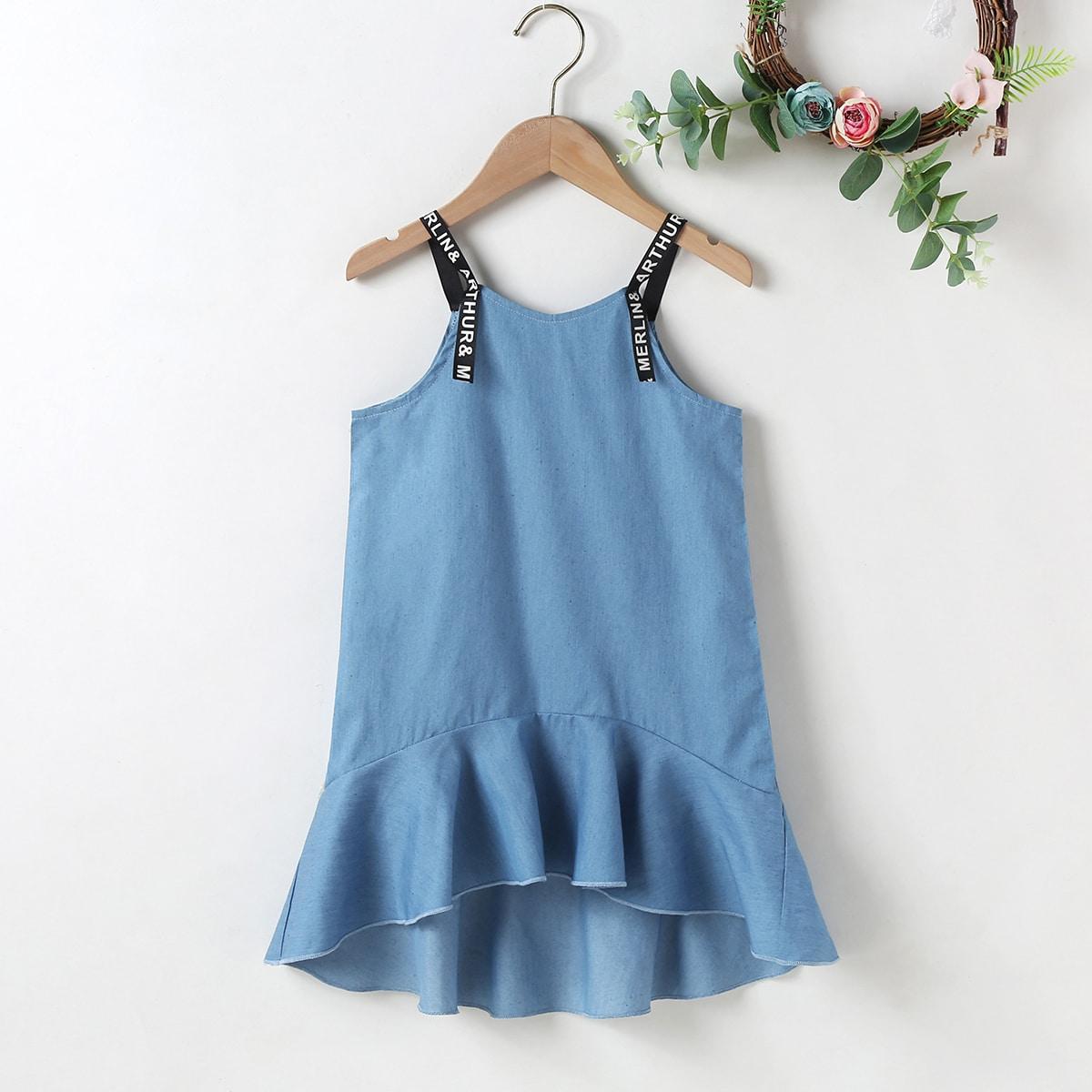 Джинсовое платье с текстовой лентой для девочек SheIn skdress03210114758