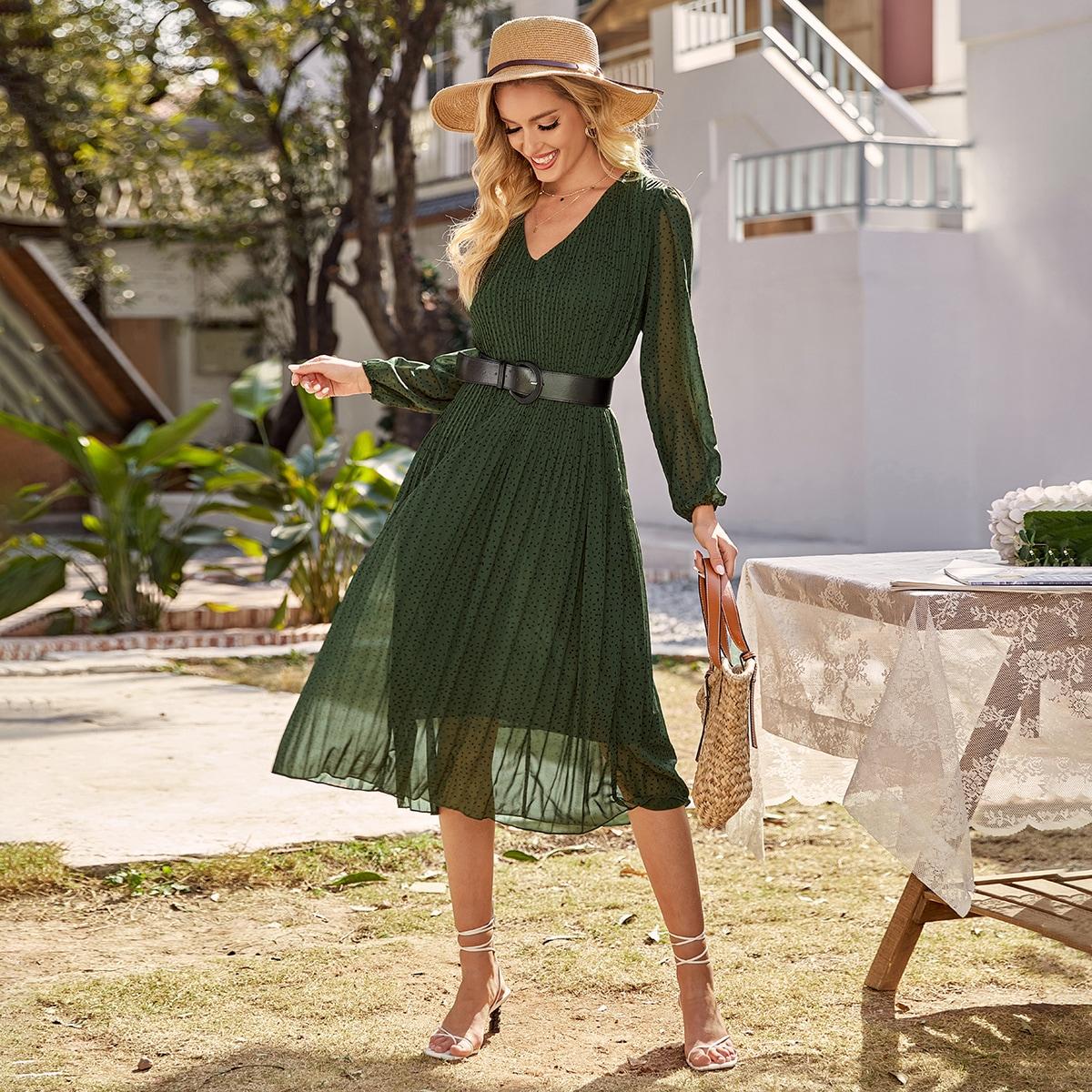 Шифоновое плиссированное платье с поясом