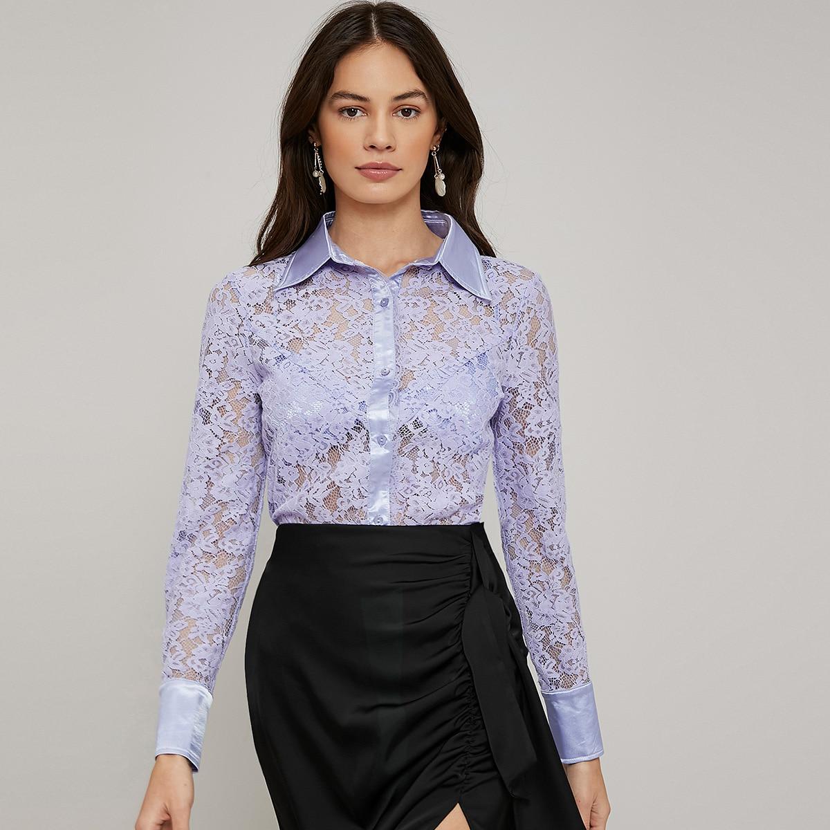 Кружевная блузка без бюстгальтера