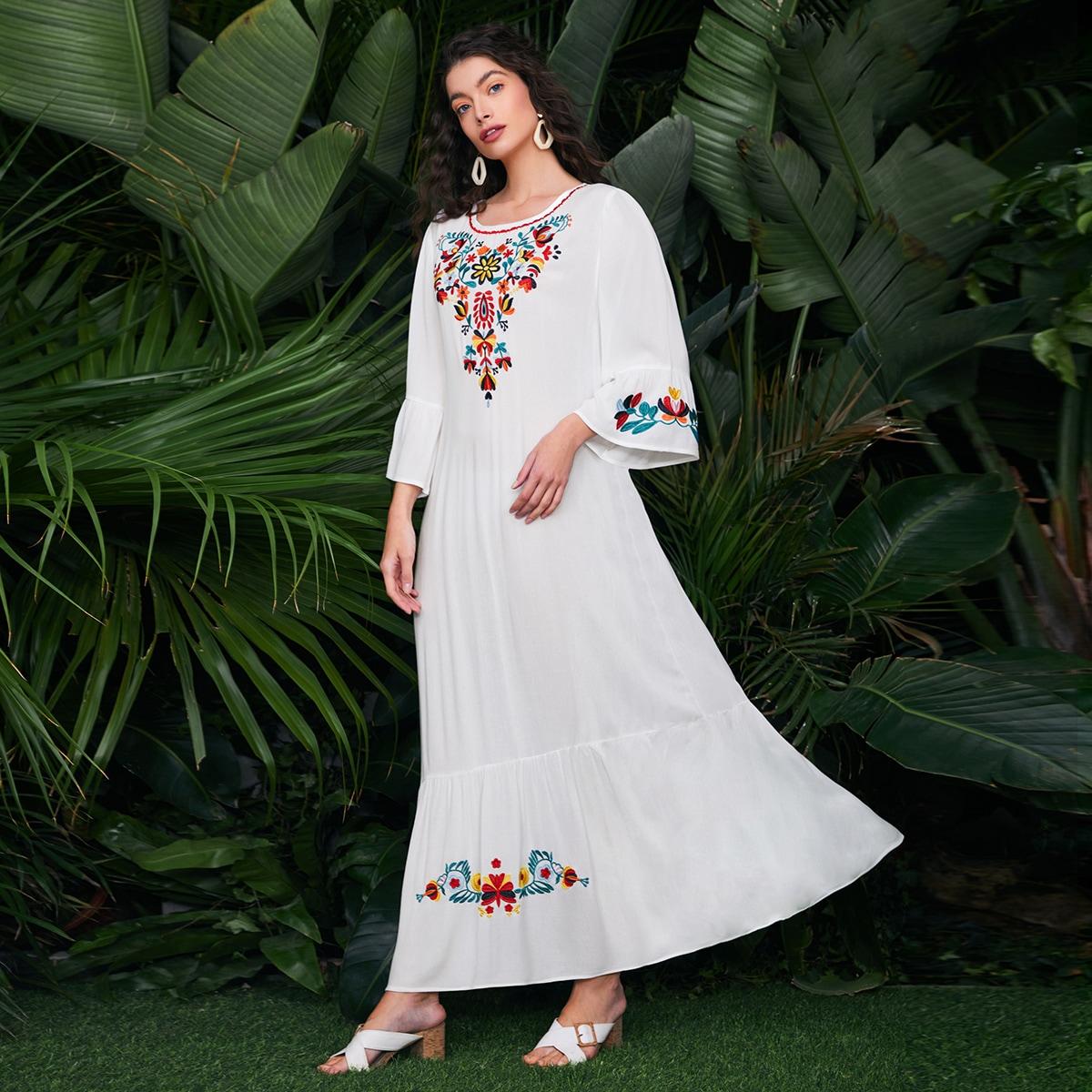 на пуговицах Цветочный принт Бохо Платье по цене 1 256