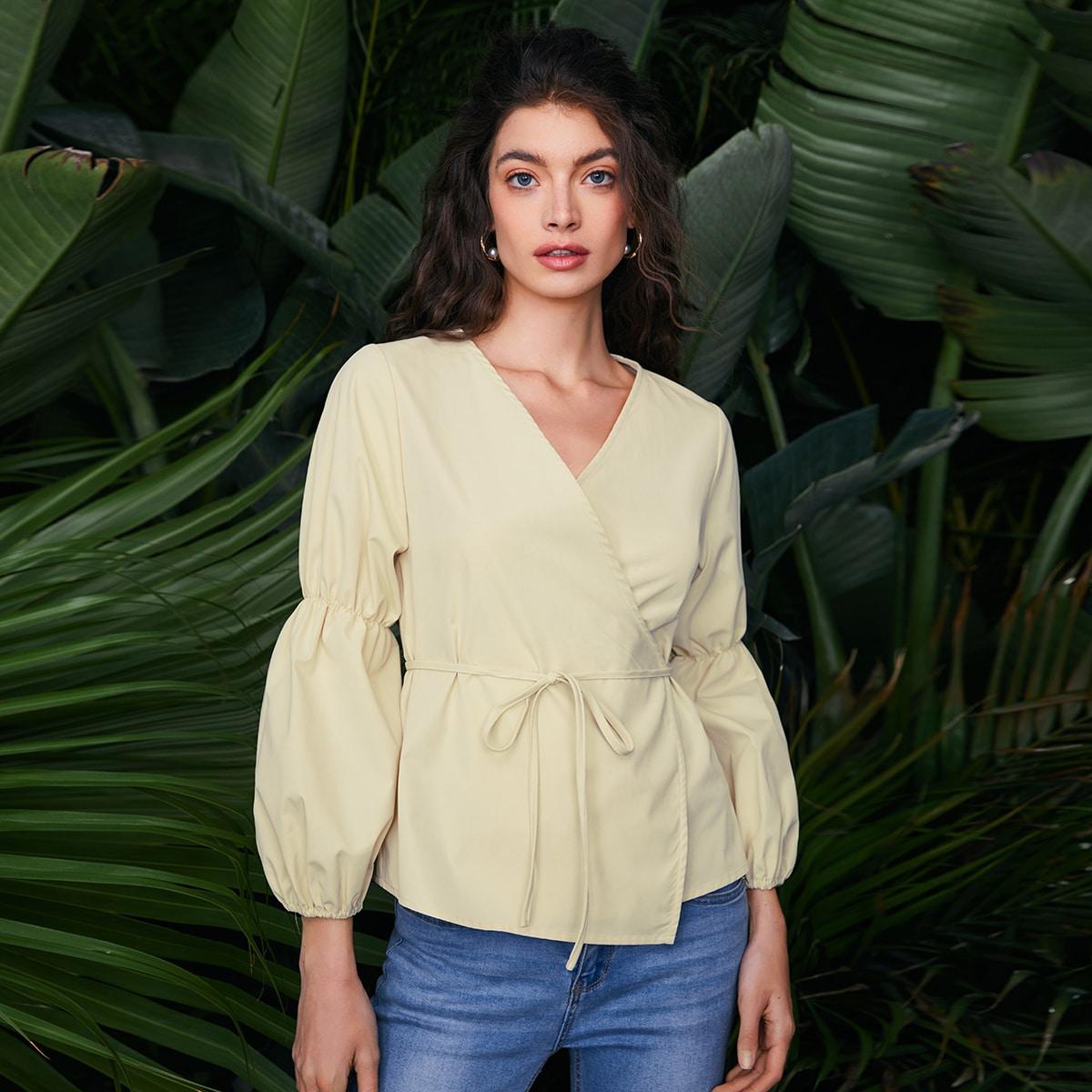 На запах Одноцветный Повседневный Блузы по цене 960