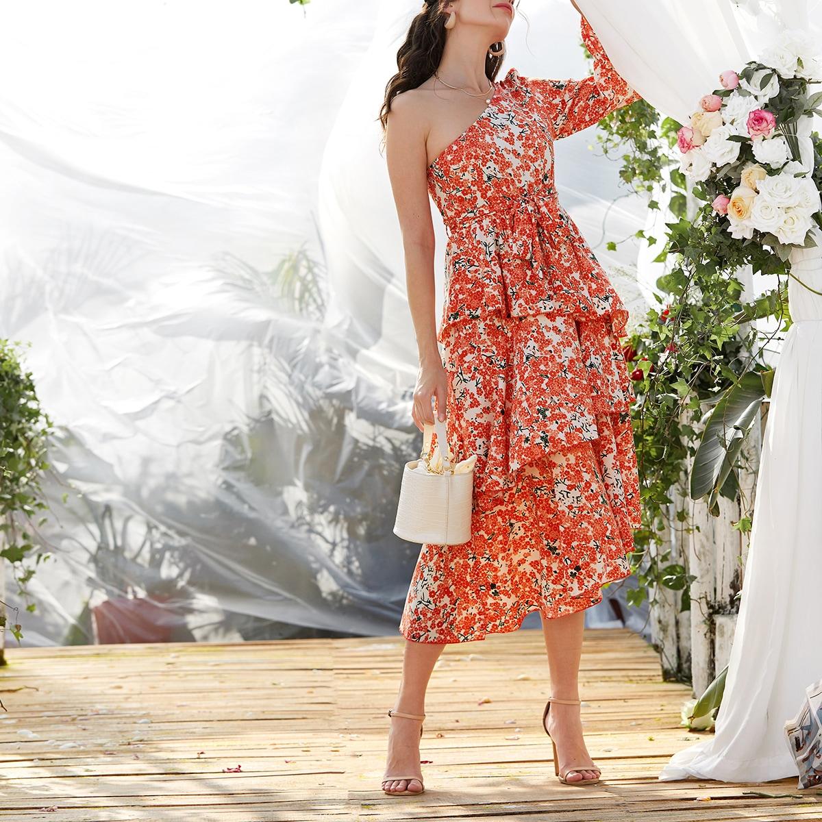 Платье на одно плечо с поясом и цветочным принтом
