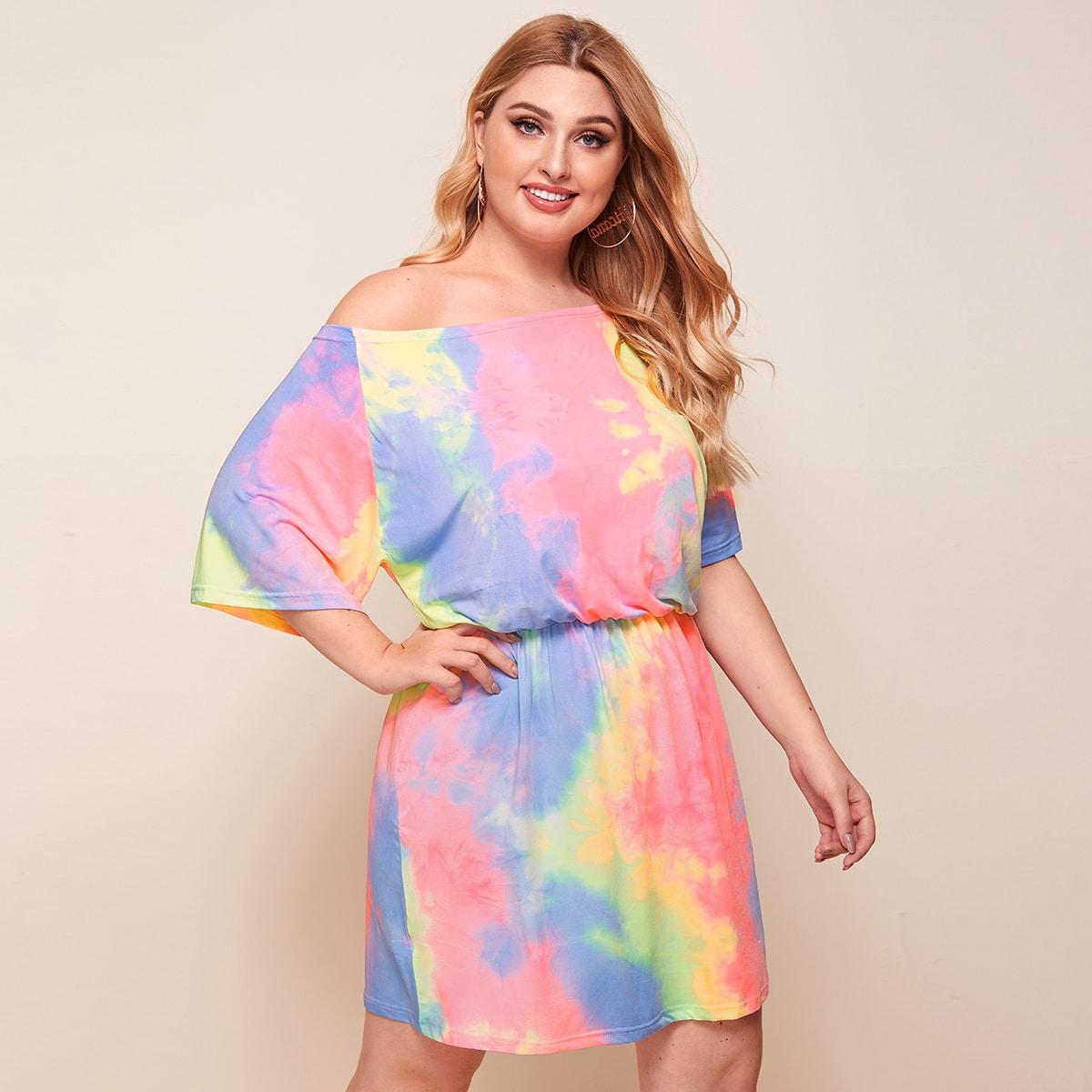 Платье размера плюс с принтом тай дай и открытыми плечами