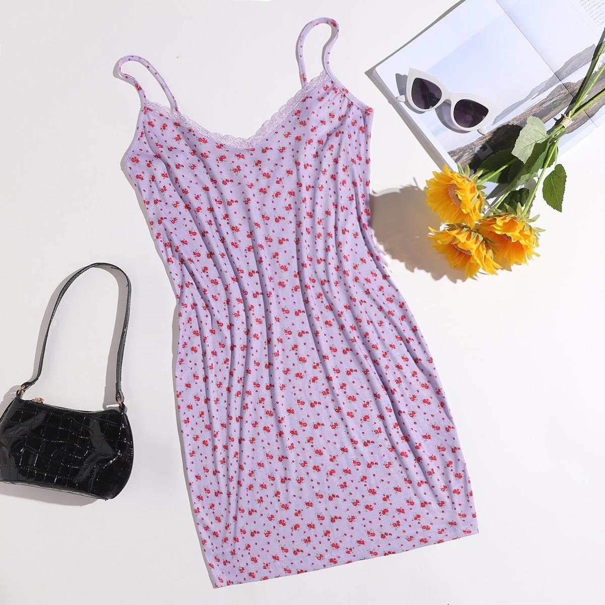 Облегающее платье размера плюс с кружевной отделкой и цветочным принтом
