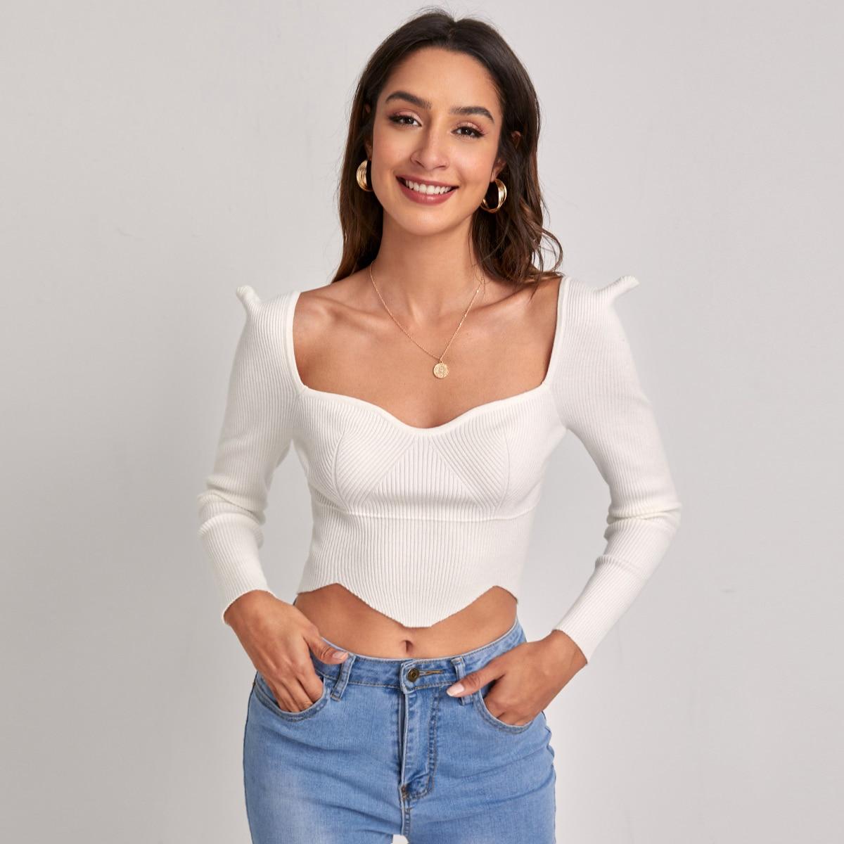 Асимметричный свитер с воротником-сердечком по цене 588