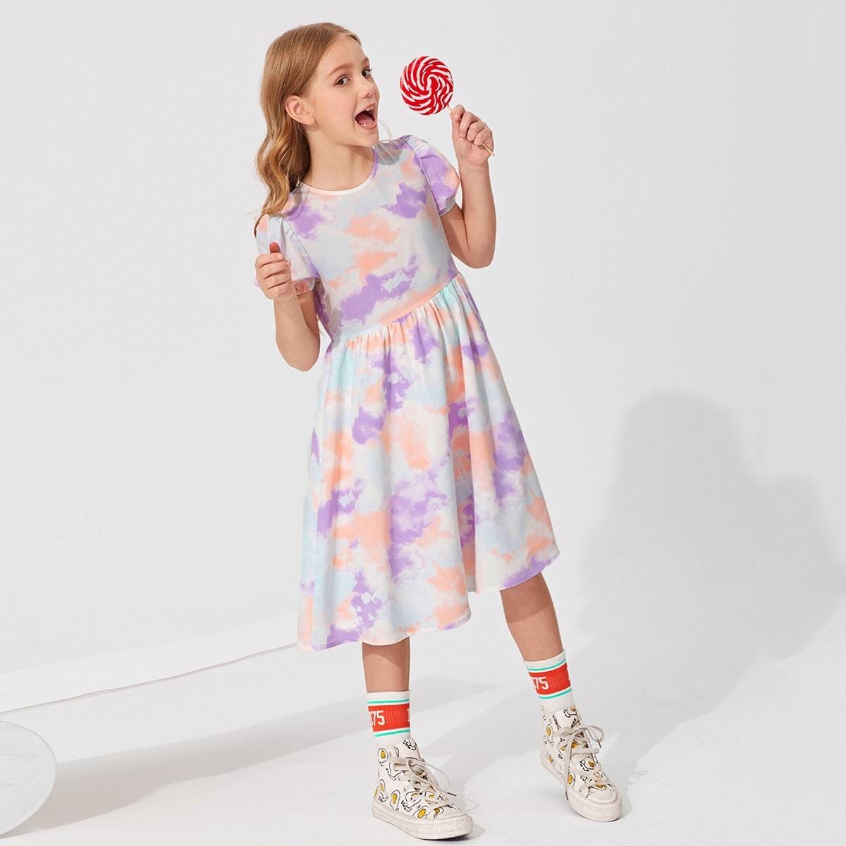 Kleid mit Puffärmeln und Batik