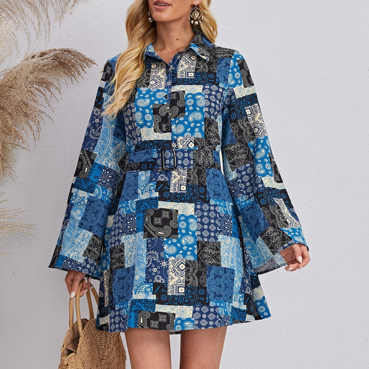 Платье-рубашка с поясом, принтом пейсли и пэчворк