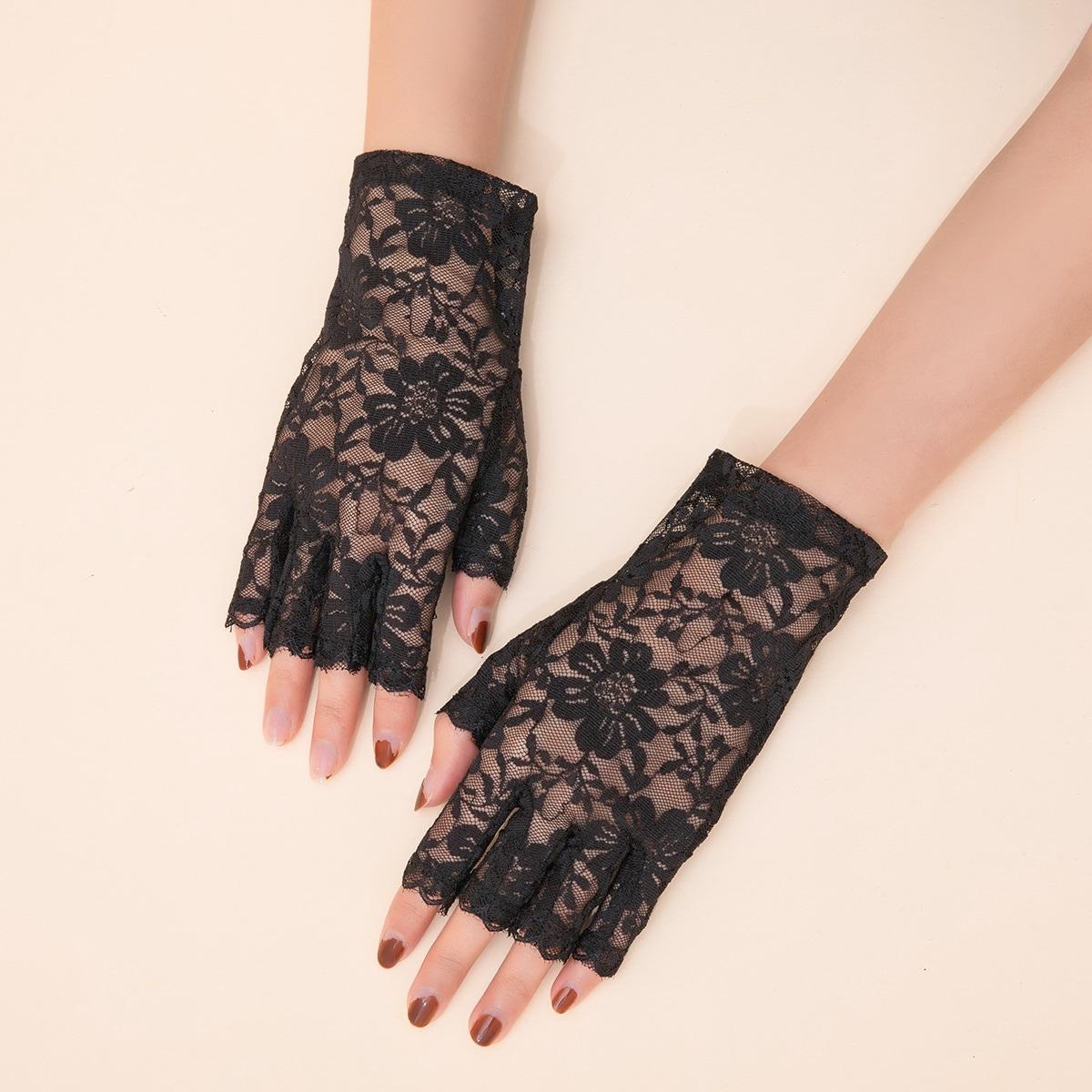 Кружевные перчатки с открытыми пальцами