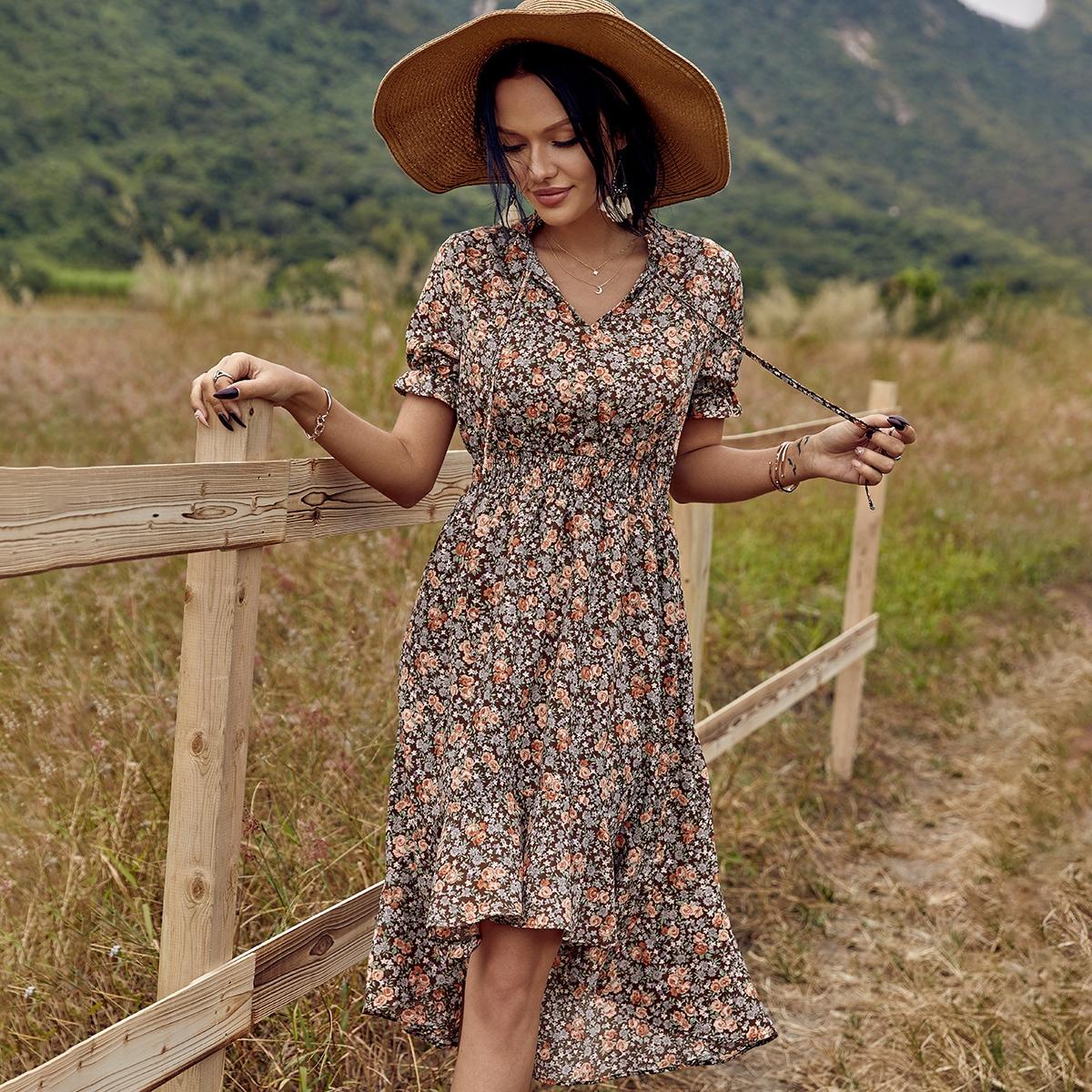Асимметричное платье с узлом и цветочным принтом