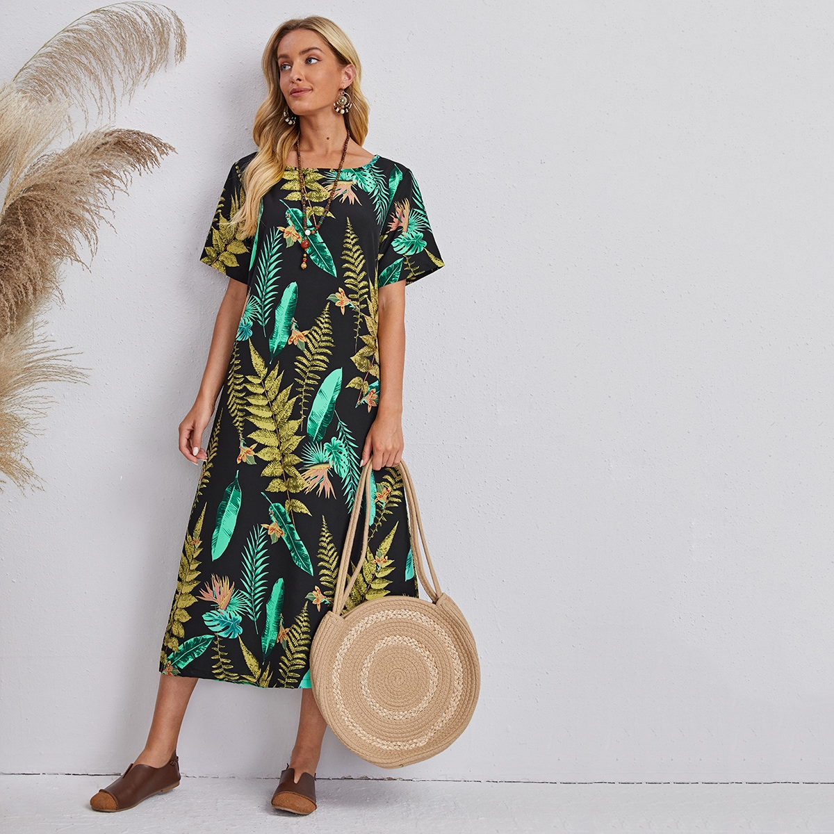 Платье с лиственным принтом