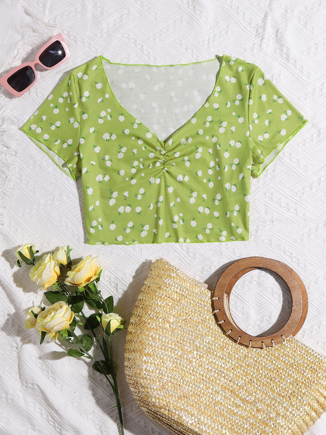 ditsy floral ruched crop tee