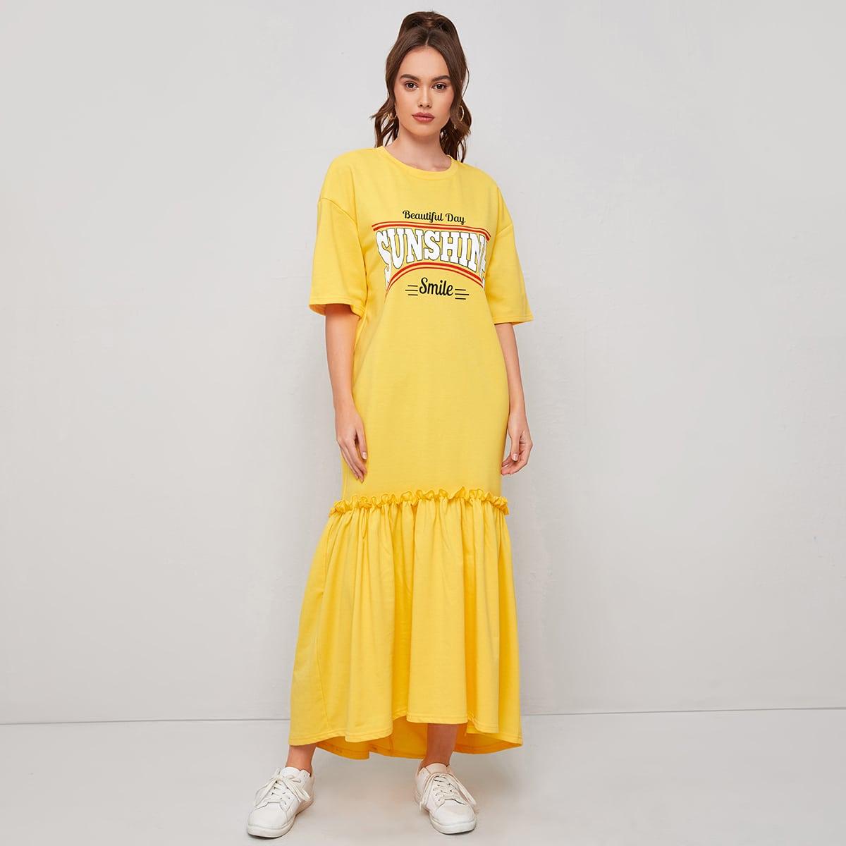 Платье с текстовым принтом