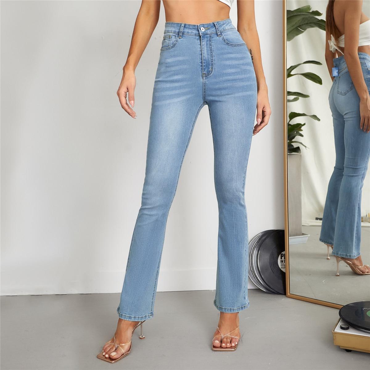 Однотонные джинсы-клеш