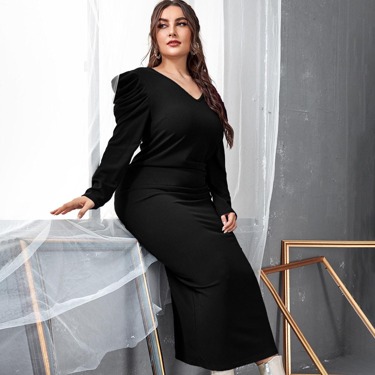 Облегающее платье размера плюс с разрезом и пышным рукавом