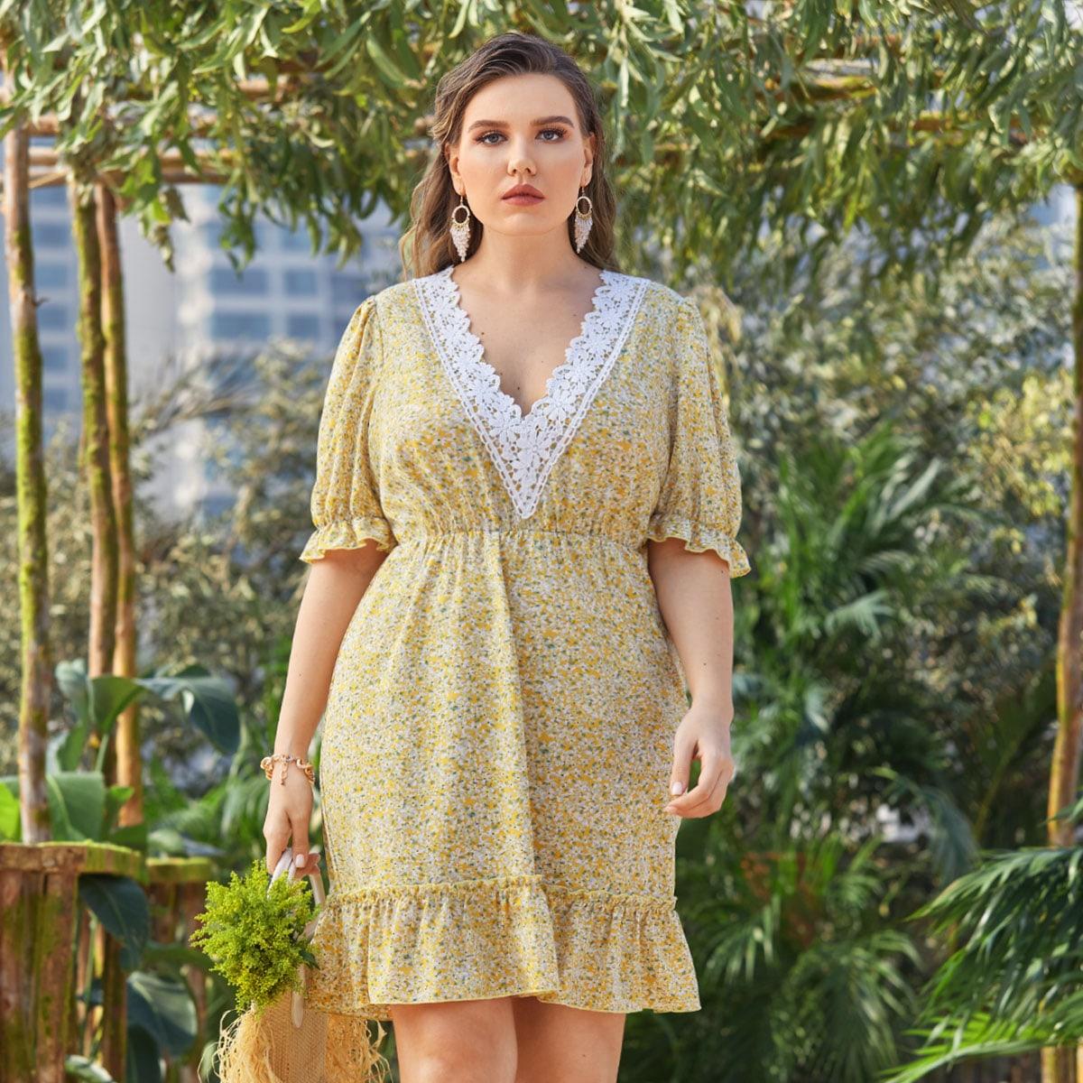 Платье размера плюс с кружевной отделкой и цветочным принтом