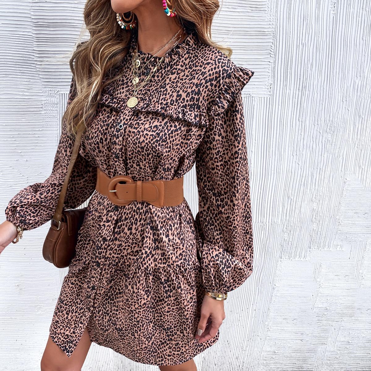 Платье на пуговицах с леопардовым принтом без пояса