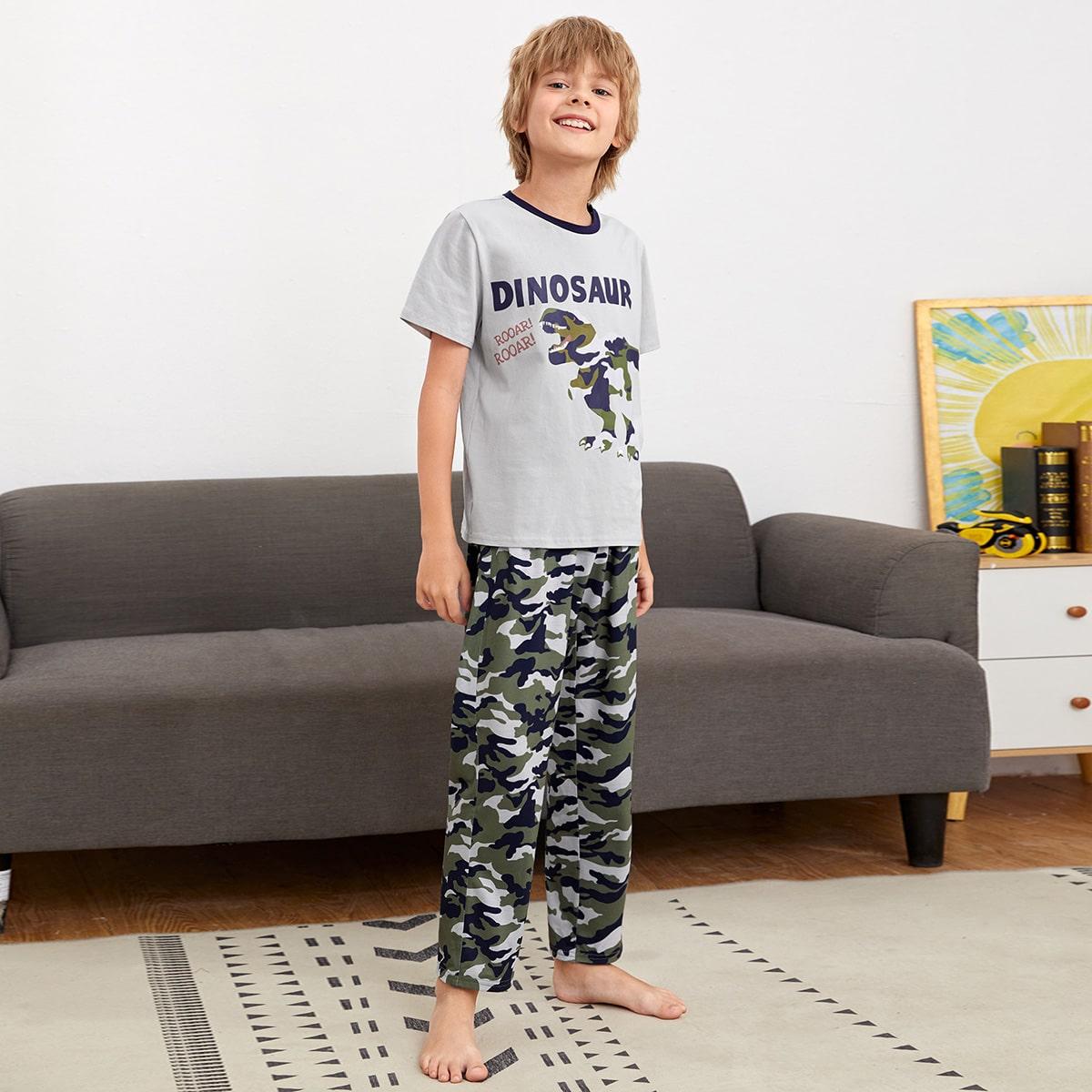 Пижама с камуфляжным принтом для мальчиков