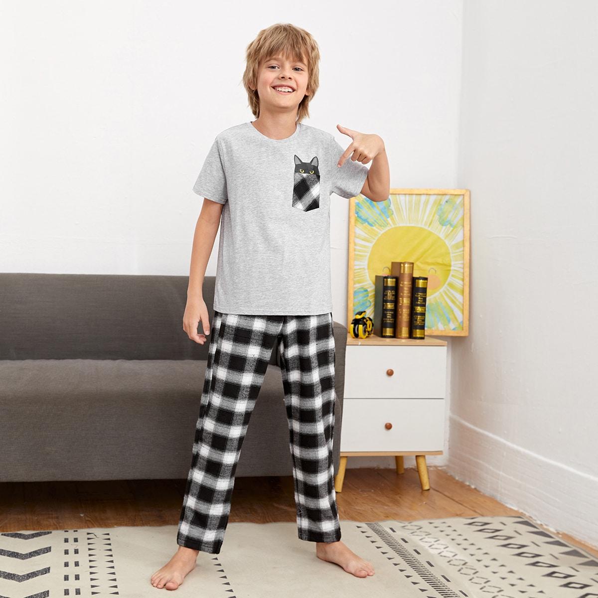 Пижама в клетку и топ с мультипликационным принтом для мальчиков
