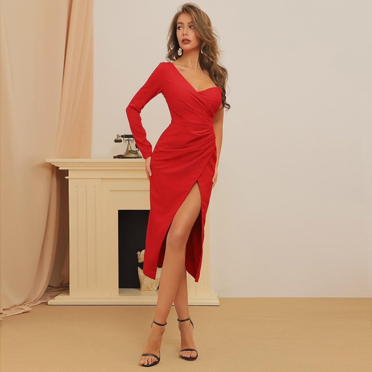 Платье на одно плечо с запахом