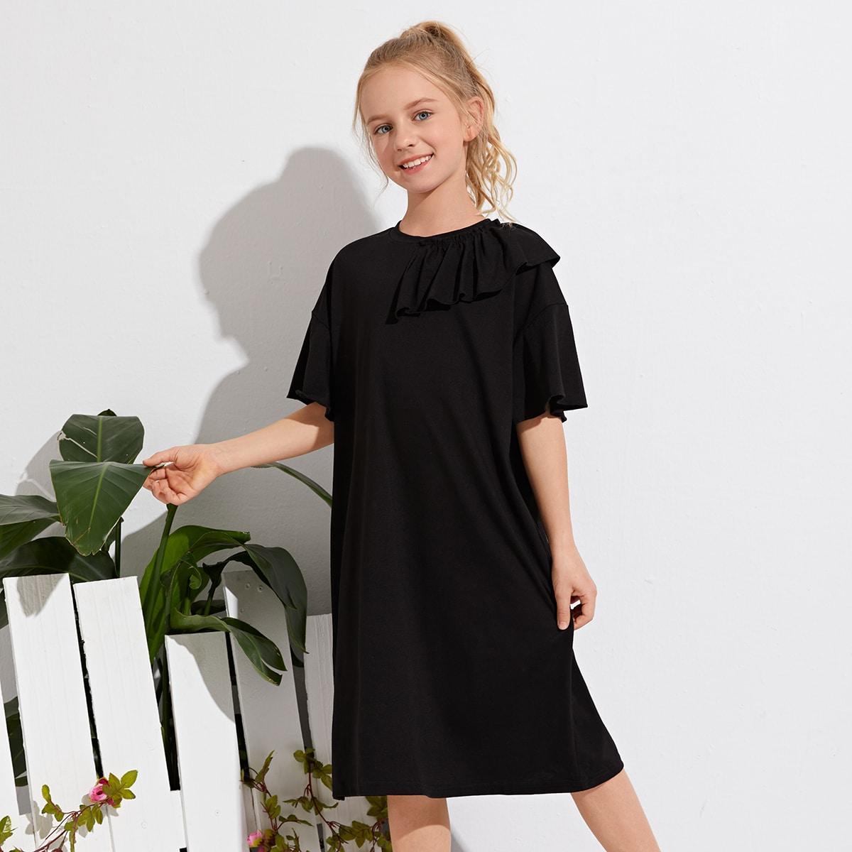 Einfarbiges T-Shirt Kleid mit Rüschenbesatz