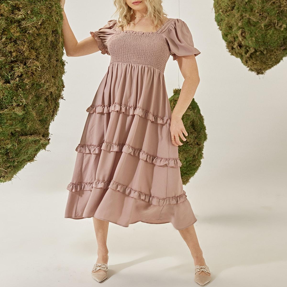 Платье размера плюс с оборкой и пышным рукавом