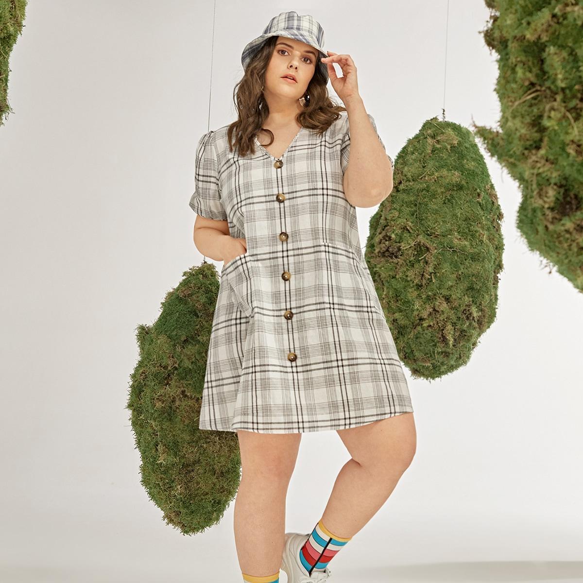 Платье размера плюс в клетку с пышным рукавом на пуговицах