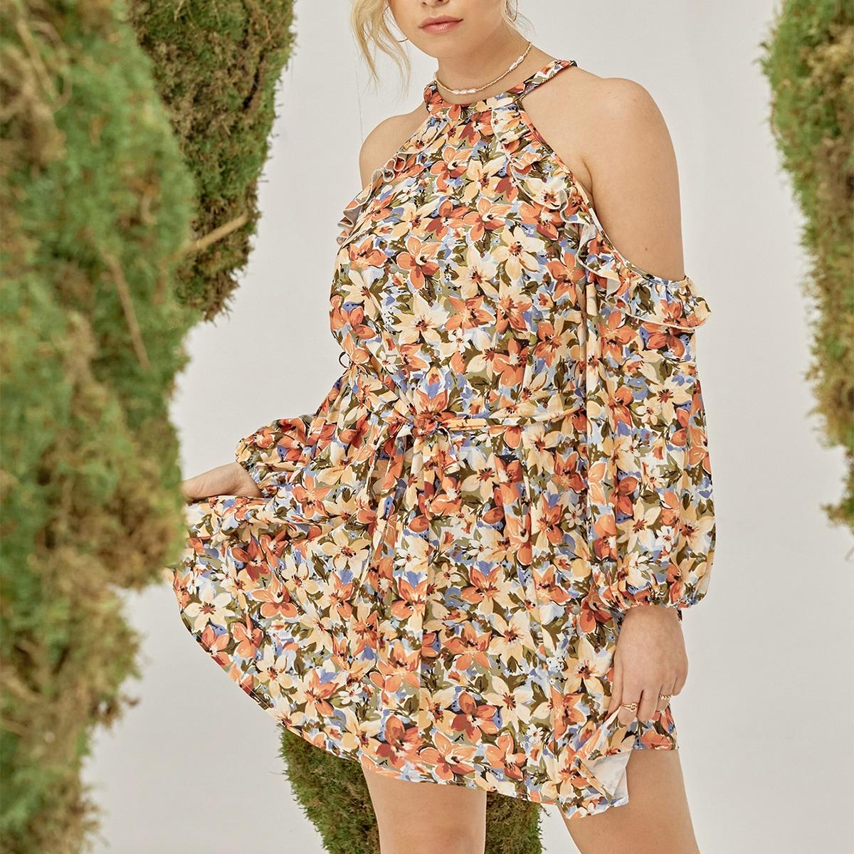 Платье размера плюс с цветочным принтом и открытыми плечами