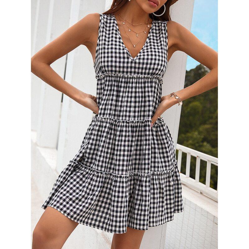 Gingham Flounce Hem Dress, Black and white