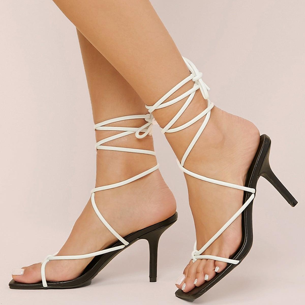 Туфли на каблуках с открытым носком из искусственной кожи