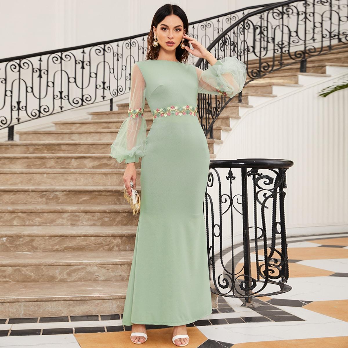 Платье-русалка с сетчатым рукавом
