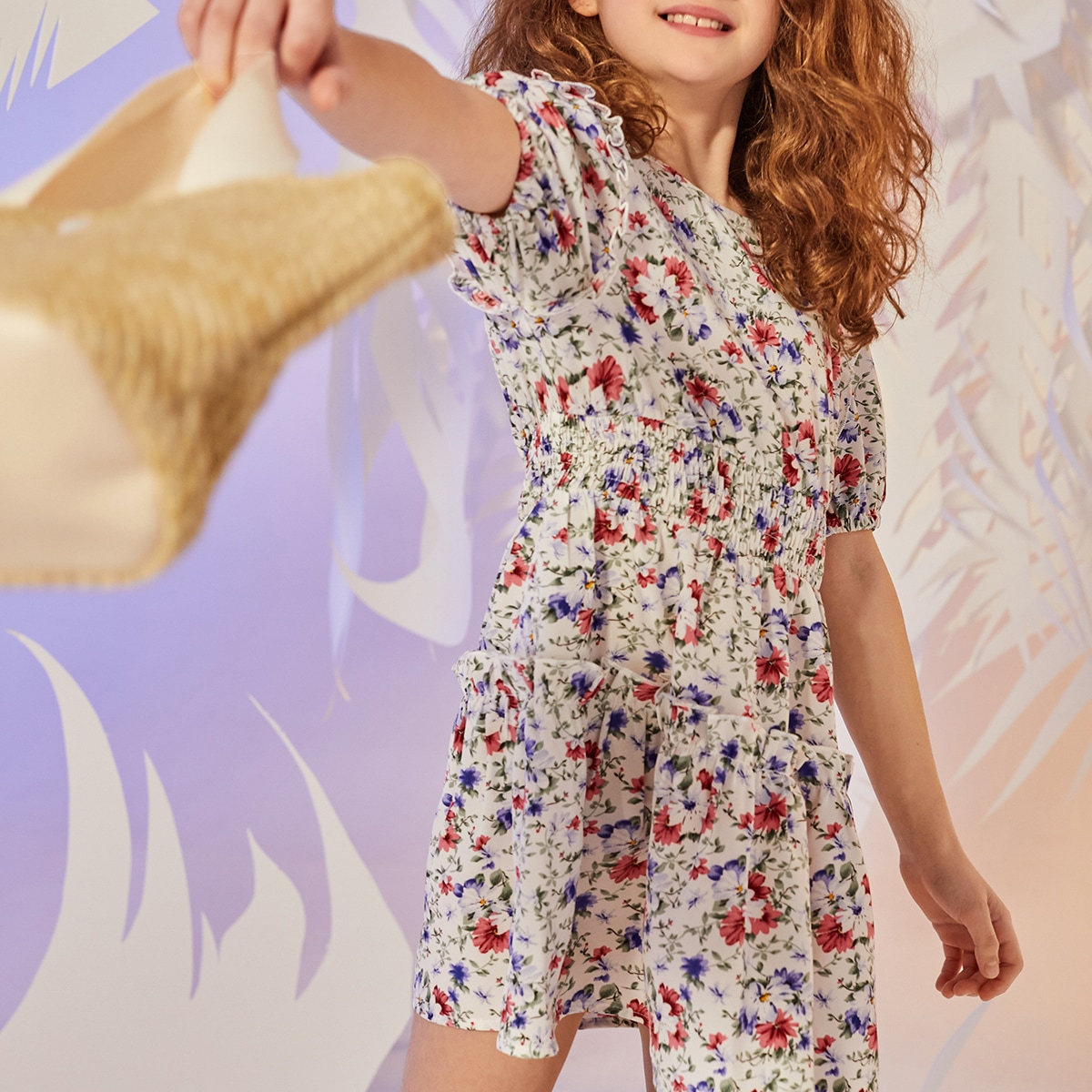 Kleid mit Blumen Muster, Puffärmeln und Rüschen auf Taille