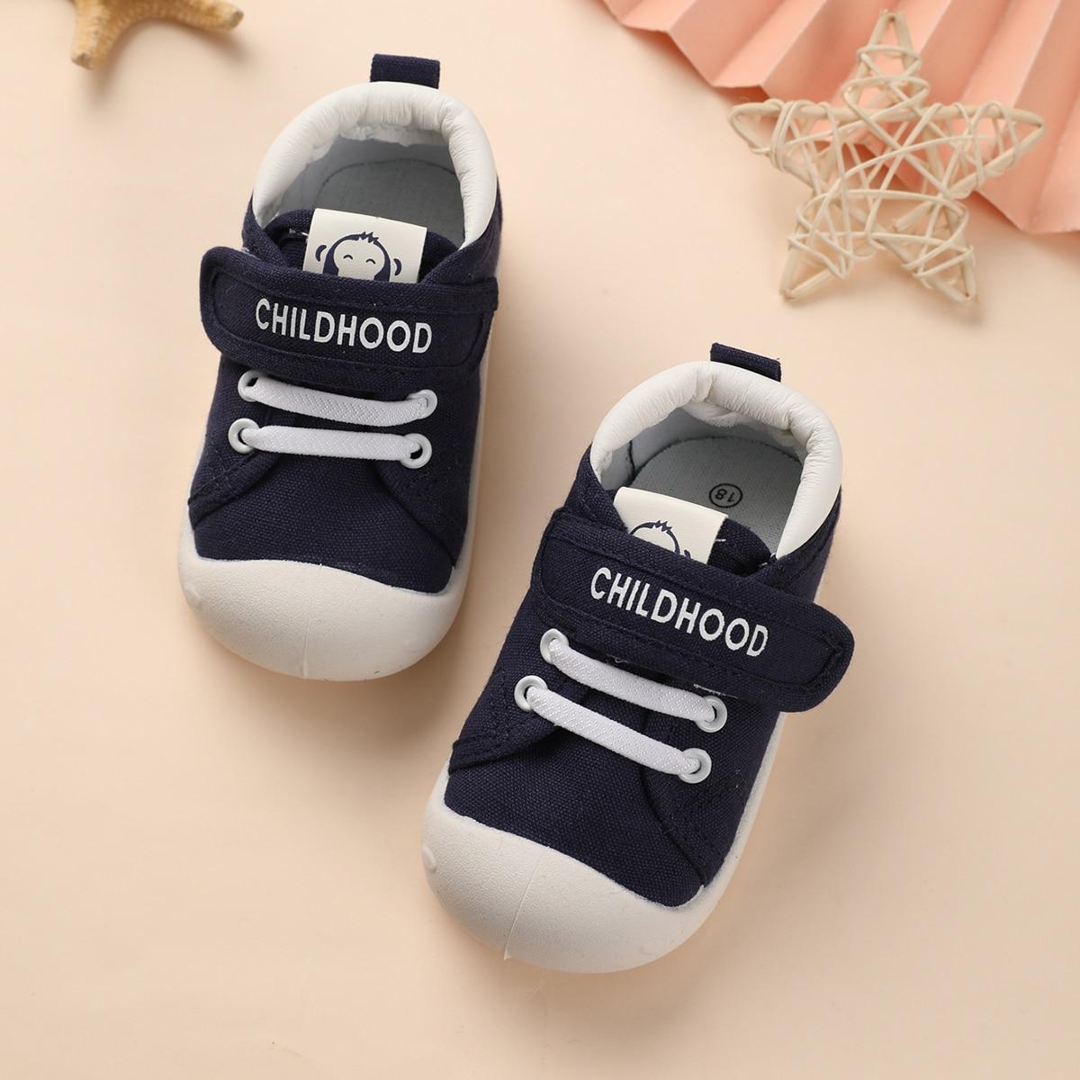 Холщовые туфли с текстовым рисунком для мальчиков от SHEIN