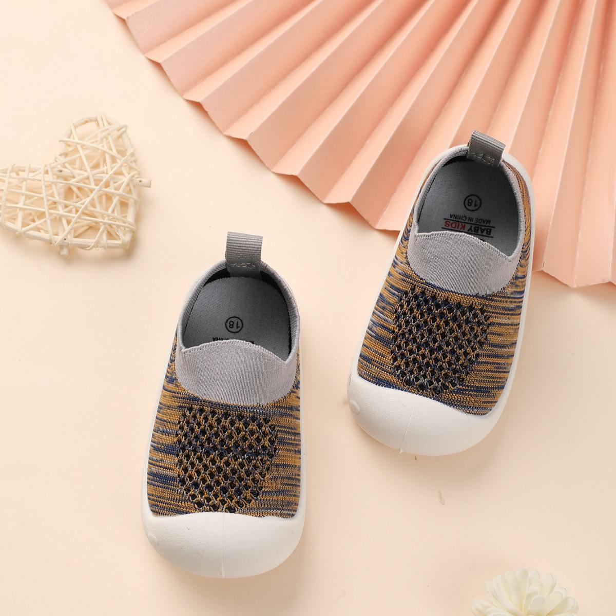 Контрастные кроссовки для мальчиков от SHEIN