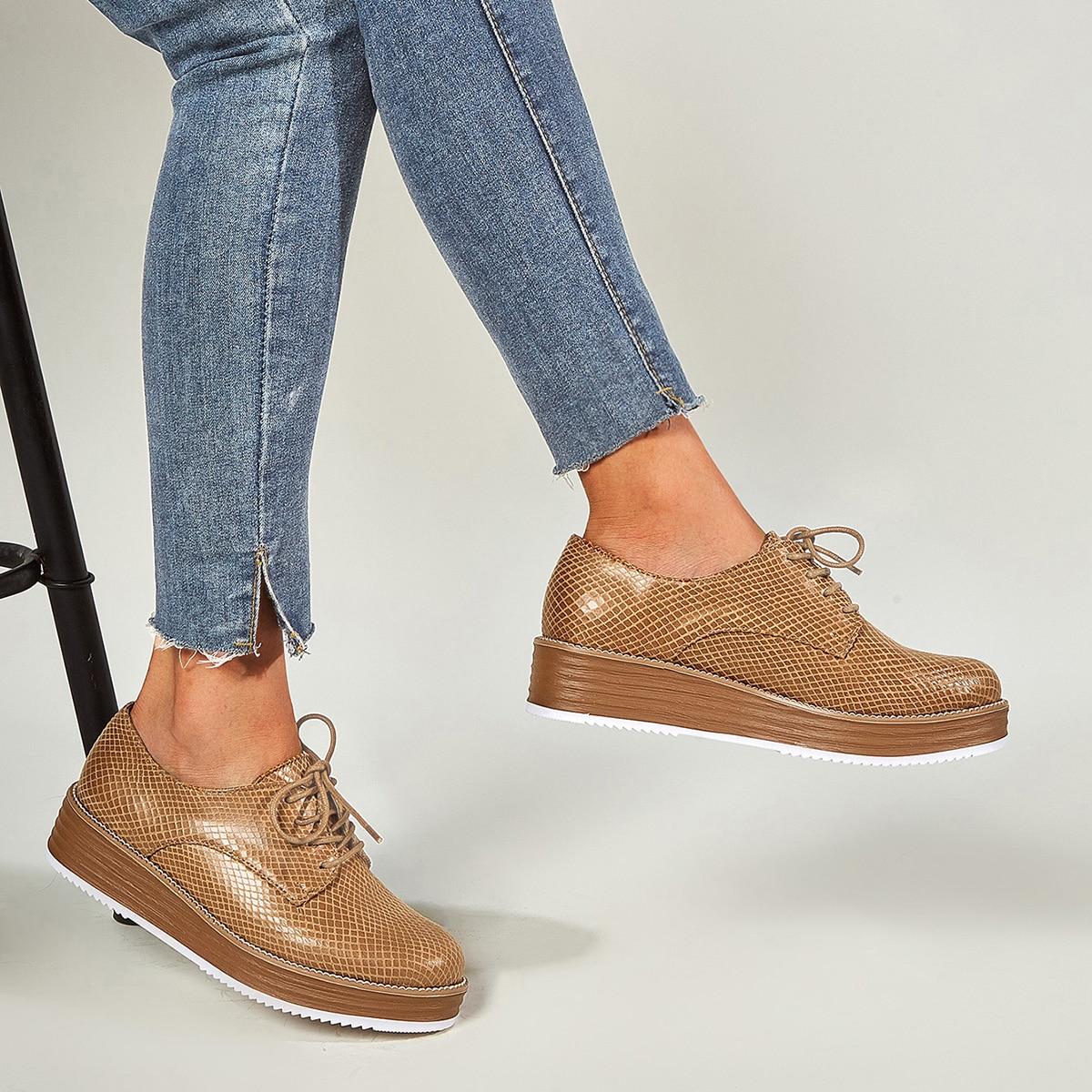 Оксфордские туфли на танкетке со шнуровкой